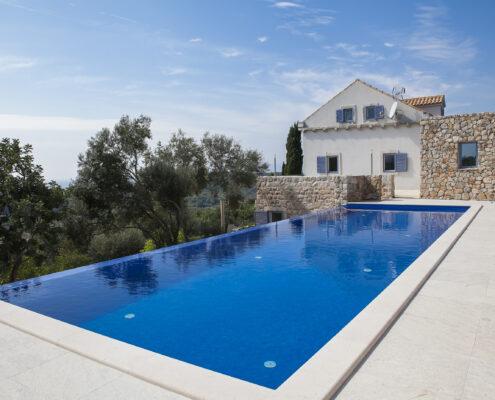 Infinity Pool & Terraces
